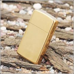 Zippo CLASSIC high polish brass